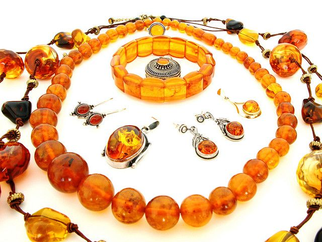 Review: Amber jewelry for pain?