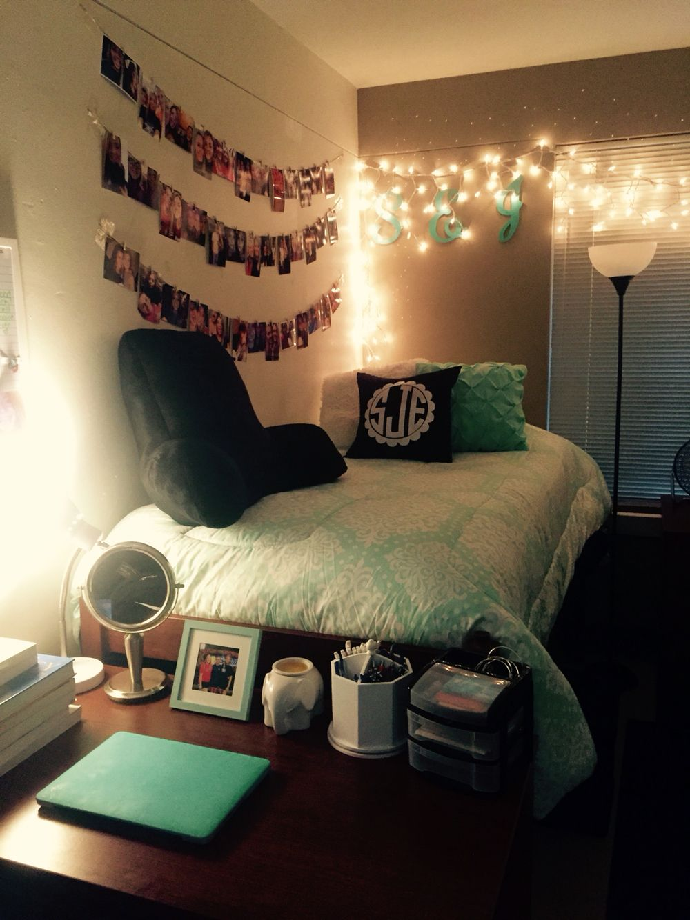 College Dorm Room 2015 Definitely Love The Lights And Hanging Pictures Here! Part 59