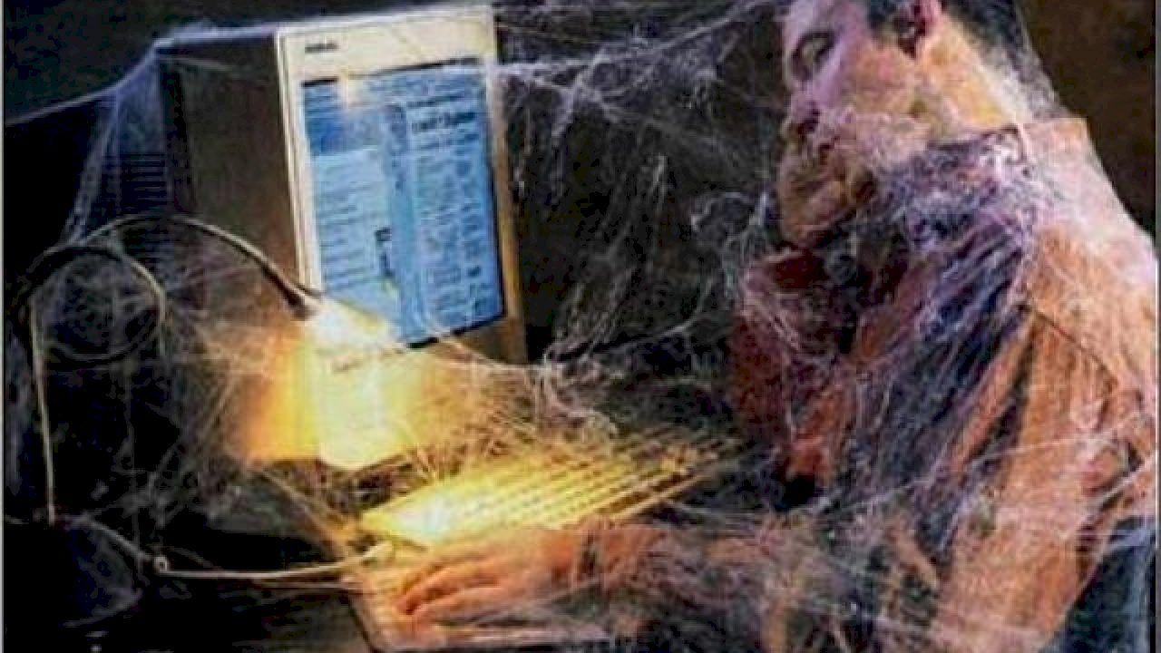 انترنت في الحياة سلبيات الأنترنت الجزء الأول Web Development Coding Soft Computing