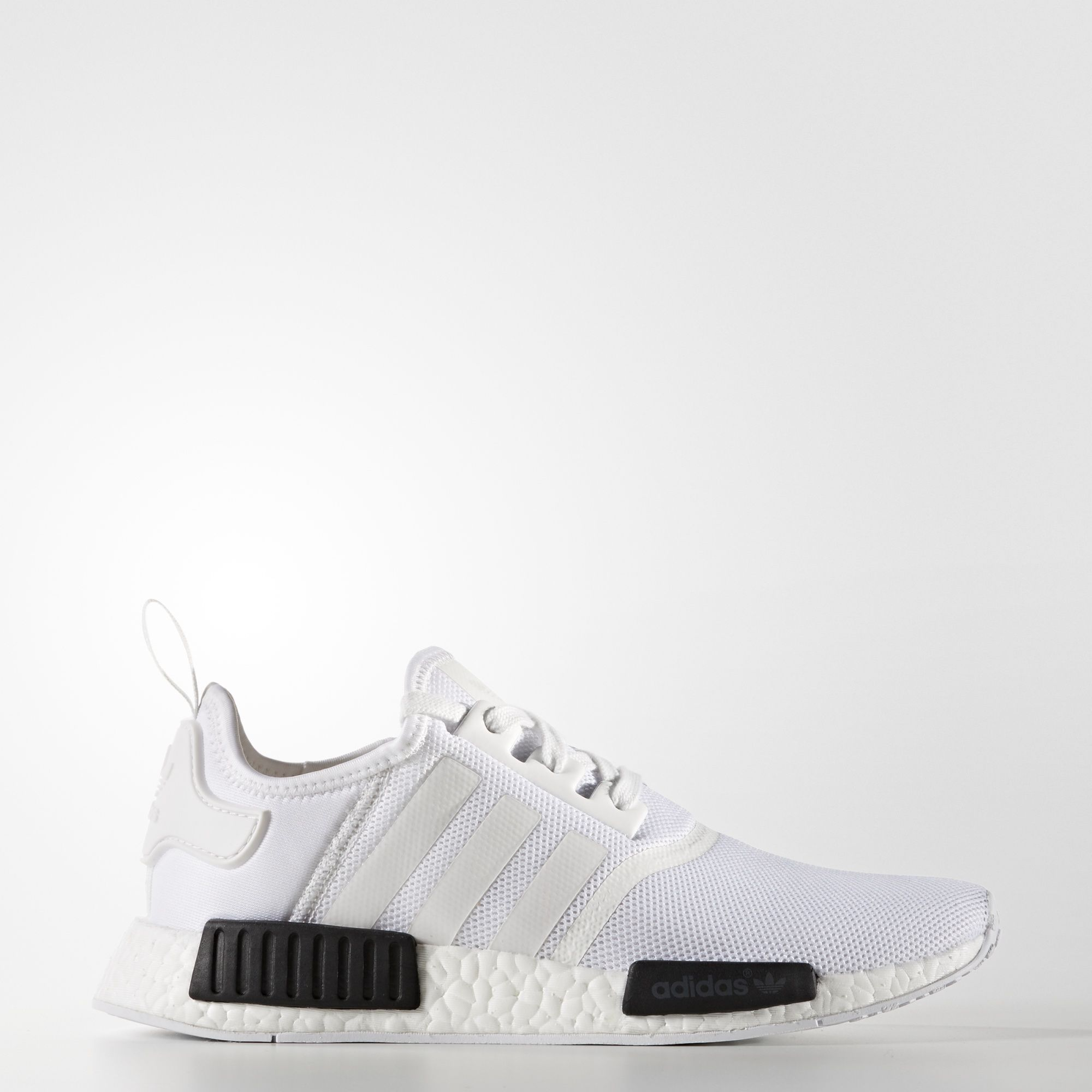 Adidas Chaussure NMD R1   Sneakers   Pinterest       Nmd r1, Nmd and 9986bc 64e942bb32