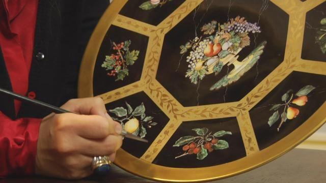 Decorazioni artistiche su porcellana e gioielli in - Decorazioni artistiche ...