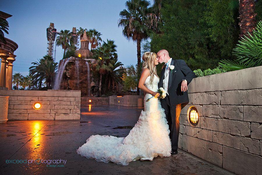 Las Vegas Wedding Photos Mandalay Bay Valley Of Falls