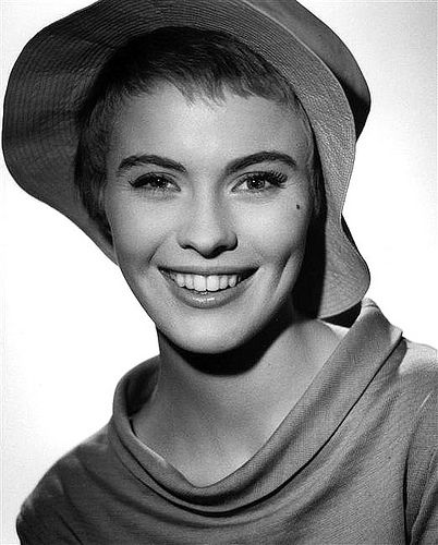 "Jean Seberg during filming of ""Bonjour Tristesse"", photo b… 