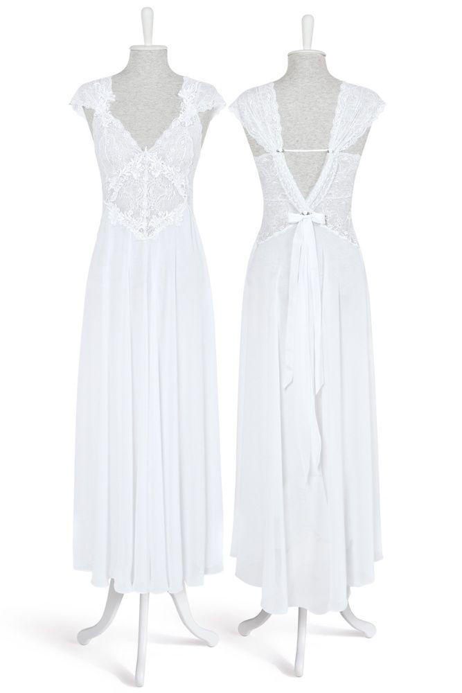 Camisola longa branca com renda e decote nas costas; R$ 388, na Jogê (SAC: 0800 11 8555)