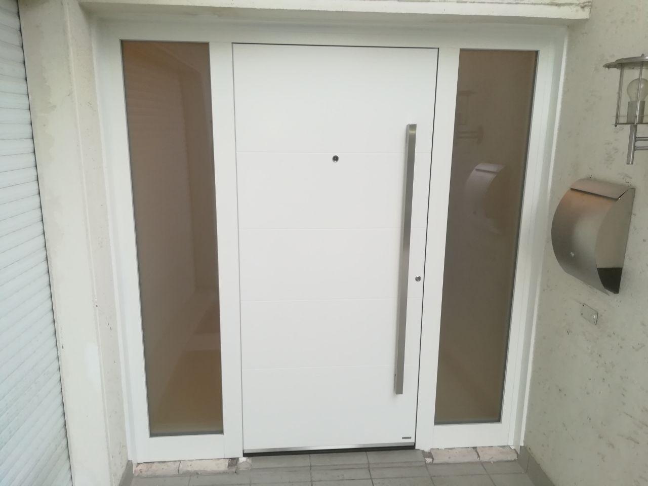 Hausture Montiert In Dusseldorf Design Entrance Modern