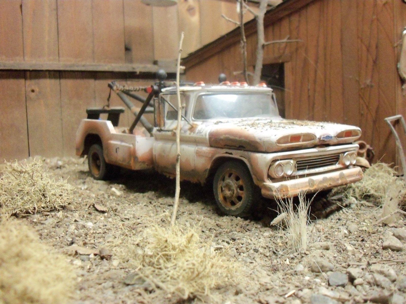 AMT 1960 Chevrolet Chevy Wrecker Junkyard Diorama 1/24 1/25 ...