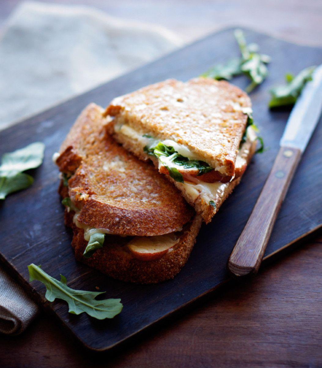 Apple Cheddar Grilled Cheese - Foodess