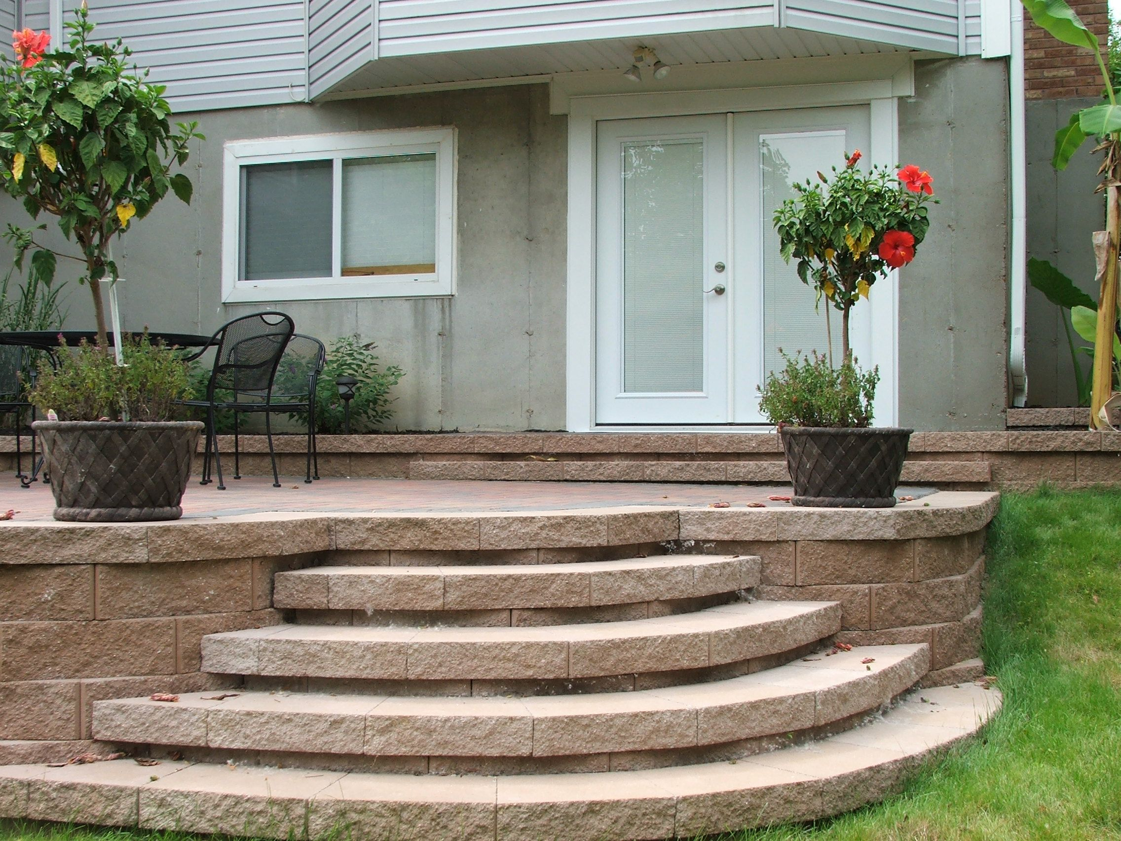 Best Curved Steps To Paver Patio Yeah I Did That Agape 640 x 480