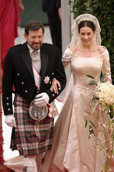 Miss Mary Elizabeth Donaldson Walk Down The Isle With Her Father Dr John Moments Before Marrying Crown Prince Frederik At Copenhagen