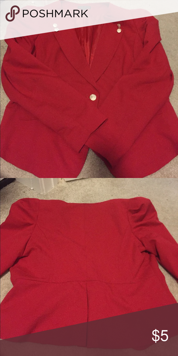 Women's blazer Plus size red blazer from forever 21 still in good condition has some lint here and there but is removable with lint remover. Size 1x. Used Forever 21 Jackets & Coats Blazers