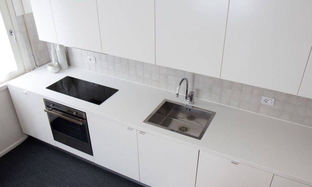 i-Top white solid surface kitchen countertop | Casa R&B