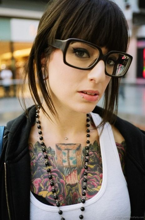 love her chest piece mixed with her simplicity. beautiful