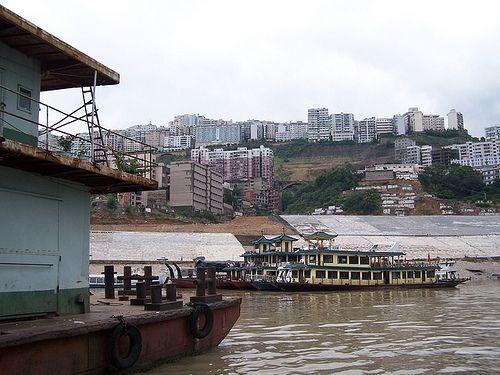 巫山县城门脸 The Town of Wushan, via Flickr.