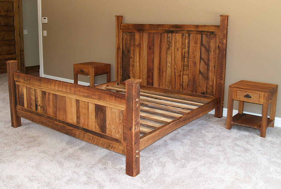 Shenandoah Sunset Bed in Rustic Wormy Chestnut Bed