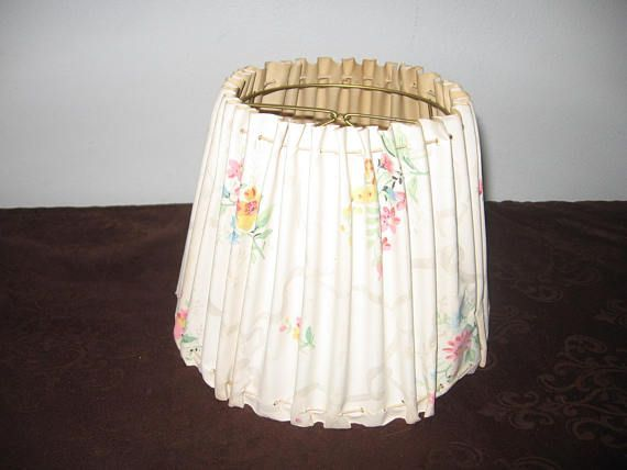 0c3a702314b Vintage Clip On Lamp Shade Floral On White Small White Clip   LampShadeIdeasRecovering