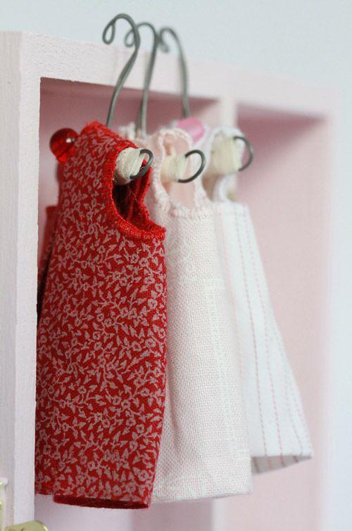 Tiny bunny clothes / Manomine