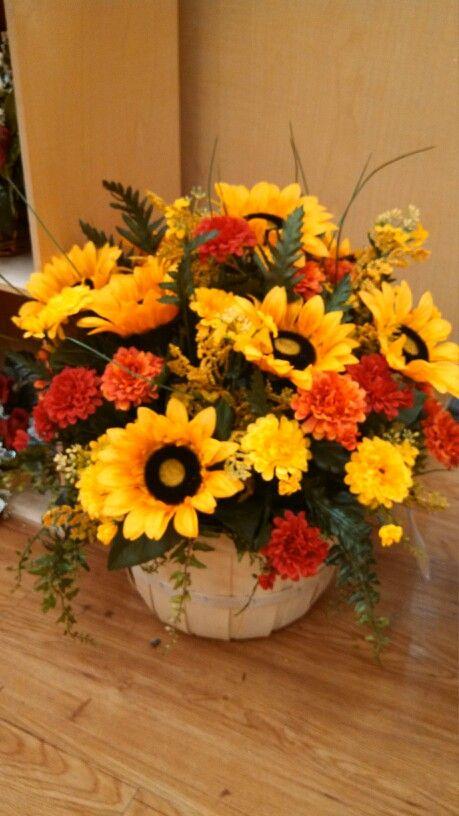 Sunflower Fall Basket Arrangement Fall Flower Arrangements Fall Floral Arrangements Flower Arrangements