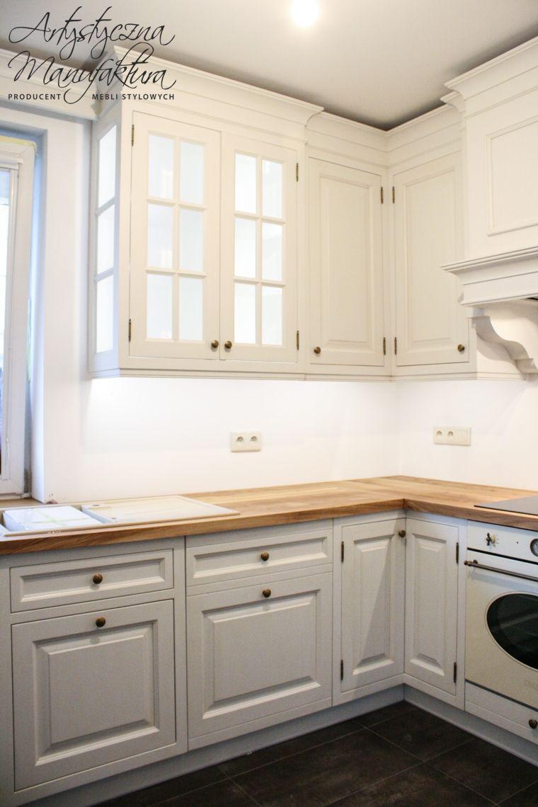 Kuchnie Styl Angielski Kuchnie Angielskie Stylowe Szafy Biblioteki Kitchen Interior Custom Kitchen Cabinets Kitchen Cabinets