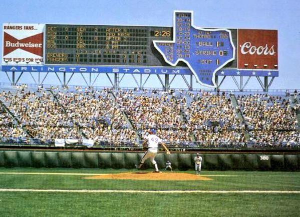 Texas Rangers Scoreboard At Arlington Stadium Arlington Stadium Baseball Stadium Mlb Stadiums