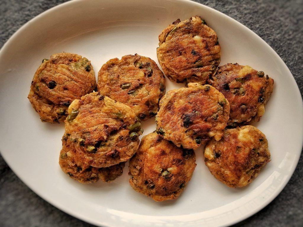 easy baked aloo tikki recipe recipe in 2020 recipes easy baking aloo tikki recipe on hebbar s kitchen recipes aloo tikki id=72653