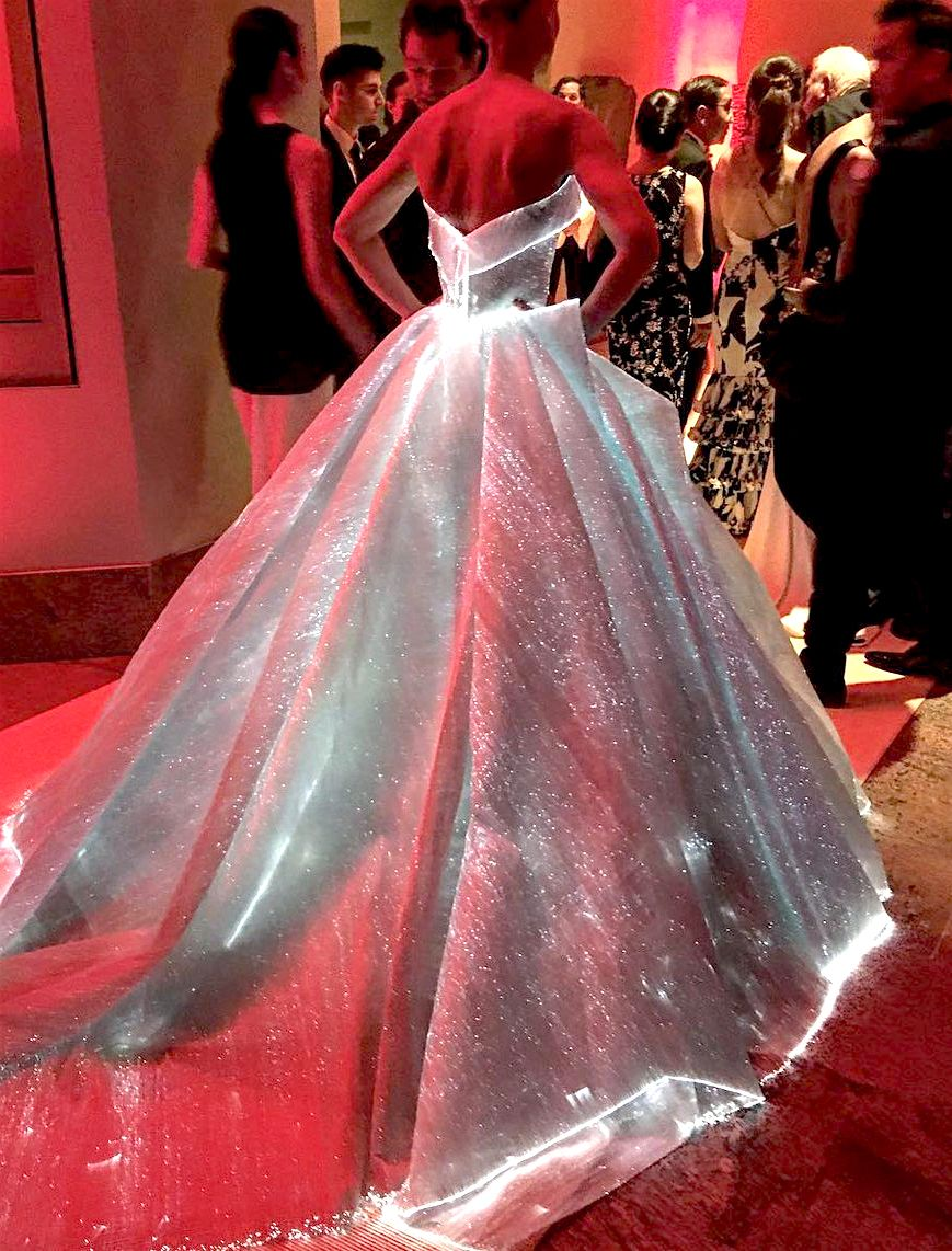 Claire Danes wearing Zac Posen at The Costume Institute Gala at The ...