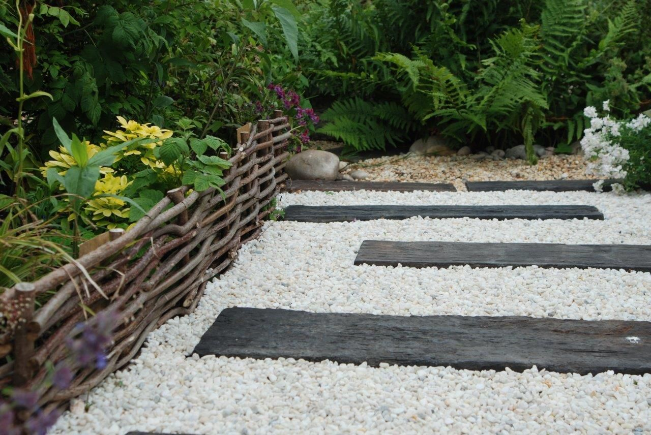 Concrete Sleepers That Have A Wood Effect On Polar White