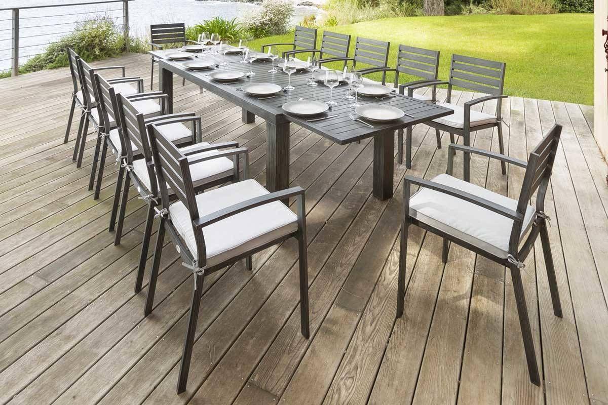 Table Extensible Figari Noire Effet Bois 12 Places Aluminium Peinture Effet Bois Hesperide Effet Mobilier De Jardin Design Salon De Jardin Table Extensible