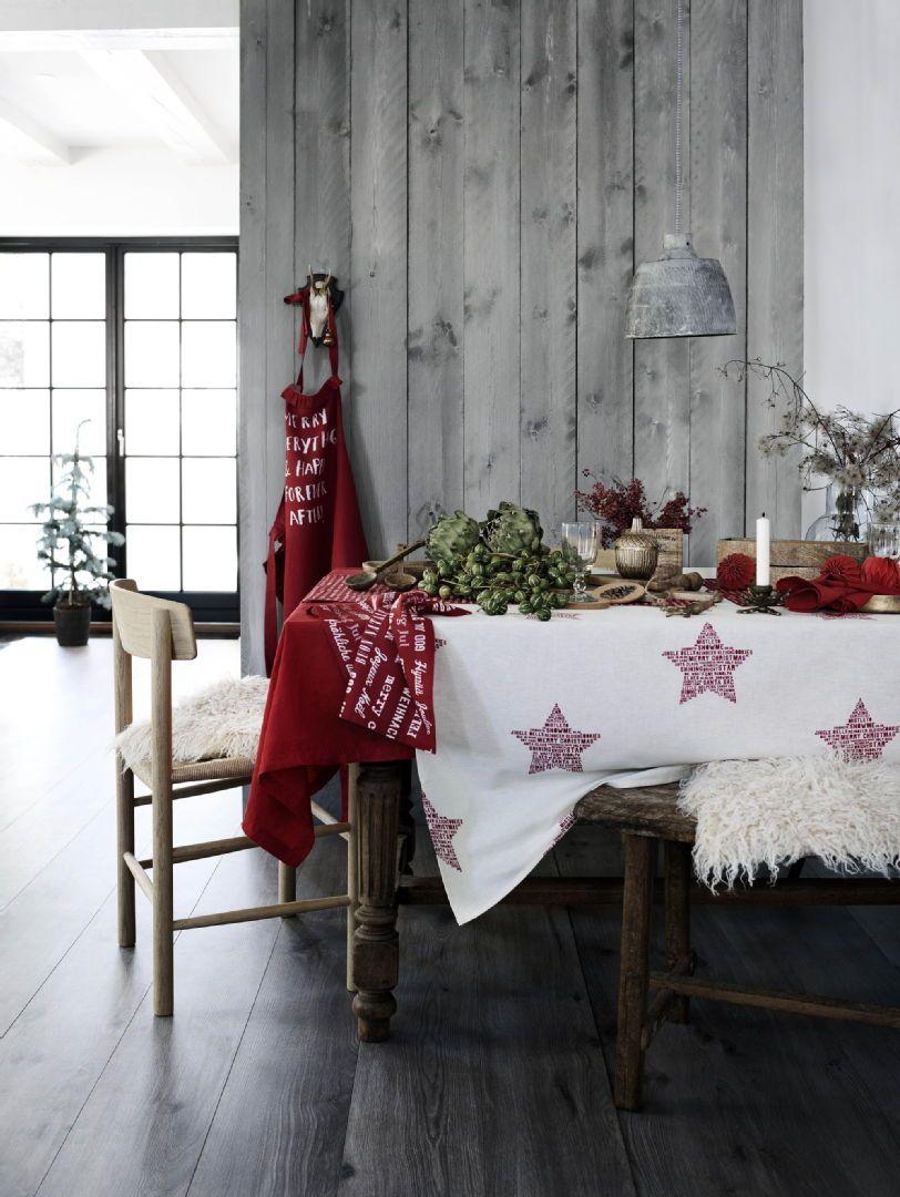 Jouluna niin kokki kuin keittiökin pukeutuvat punaiseen. Klikkaa kuvaa, niin näet tarkemmat tiedot.