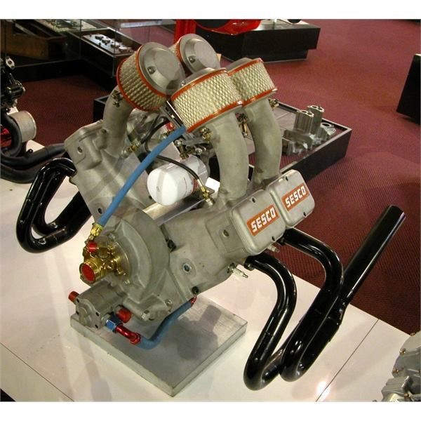 V4 midget engine based on the small block Chevy | engines