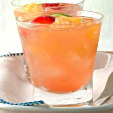 レシピとお料理がひらめくSnapDish - 12件のもぐもぐ -  Festive Fruit Punch   For #Holidays/Celebrations #Christmas #Party Tonight #Alcohol    #Vodka #Drinks    by Alisha GodsglamGirl Matthews