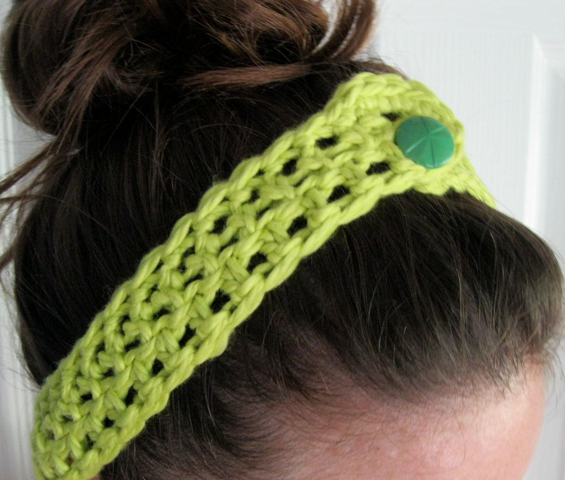 Crocheted headbands with button closure 7 colors 1200
