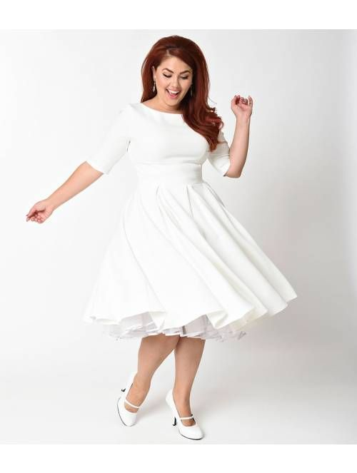 The Pretty Dress Company Plus Size Ivory Crepe Sleeved