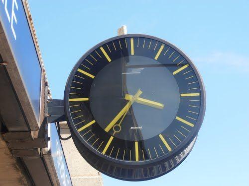 horloge bodet gare de dijon bourgogne france horloges industrielles wall clock. Black Bedroom Furniture Sets. Home Design Ideas