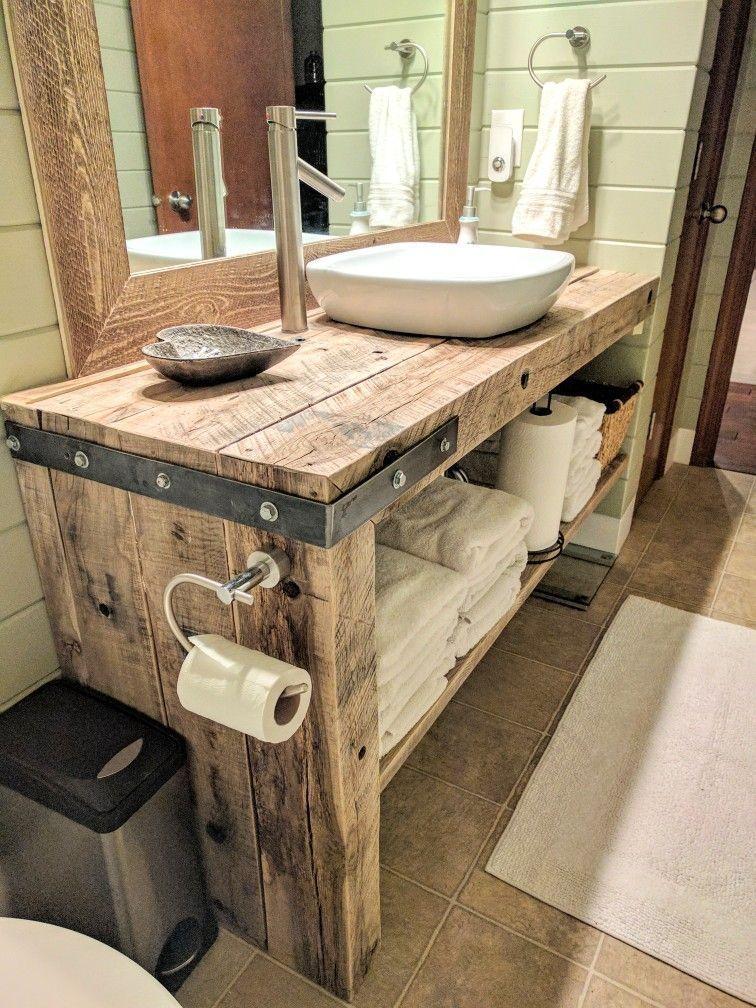Rustikales Bauernhaus-Badezimmereitelkeit #bathroomvanitydecor Rustikales Bauernhaus-Badezimmereitelkeit ..., #BathroomDecorationideas #bathroomvanitydecor #BauernhausBadezimmereitelkeit #Rustikales