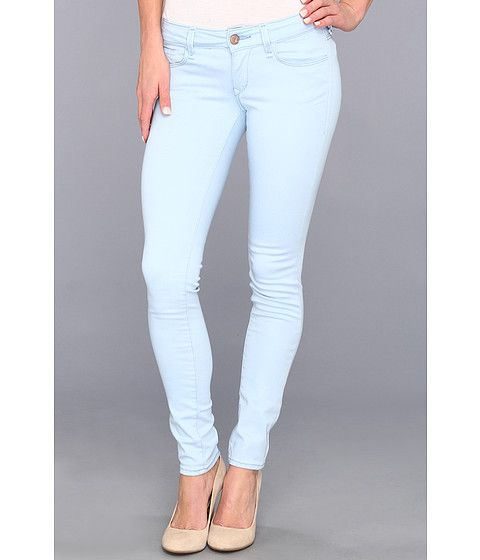 Styling Light Jeans With Color