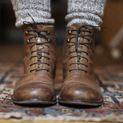 perfect old style child boots