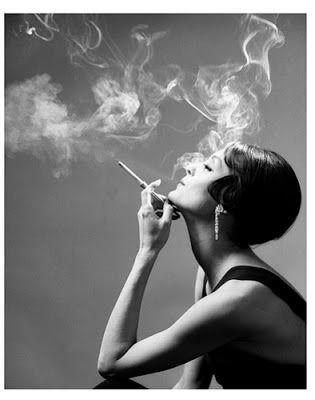 Miltonh Greene Fotografía Artistica Blanco Negro Cigarrillo