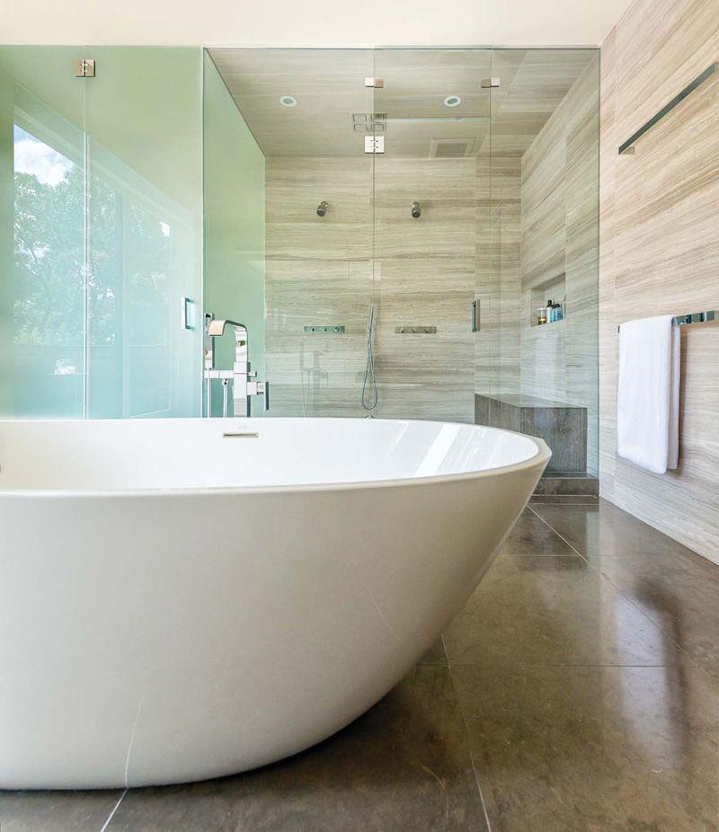 Une belle salle de bain avec diff rents types de c ramiques salle de bain house design - Une belle salle de bain ...
