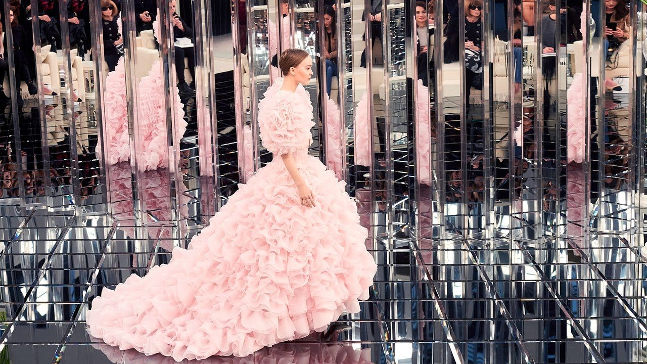 Spring-Summer 2017 Haute Couture Show - CHANEL - YouTube | Thành Phố ...