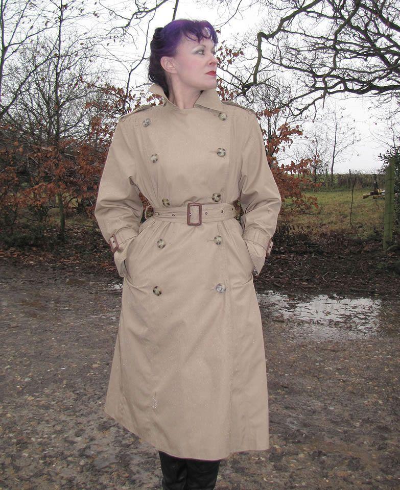 Trenchcoat Spy Queen Helena. 2!!!!!!!!!!   Trench Coat Royalty ...