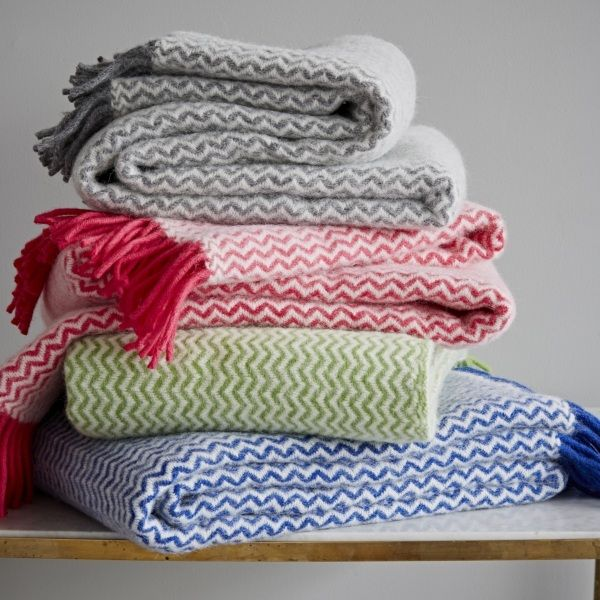 Zigzag Lambswool Throw   Ranges and House