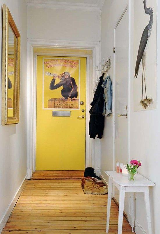 Decoração Jovial para apartamentos pequenos | Yellow front doors ...