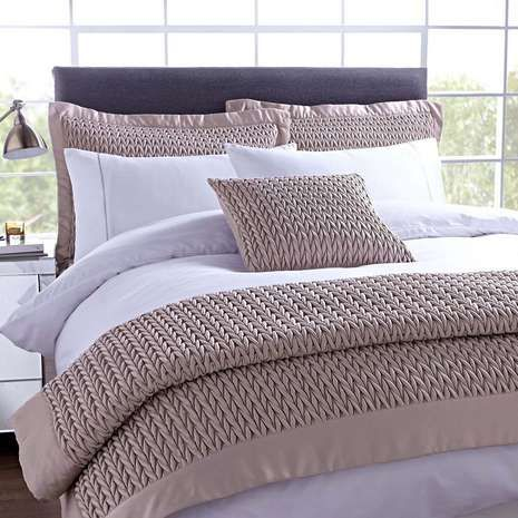Hotel Champagne Piccadilly Bed Linen Collection Mommie
