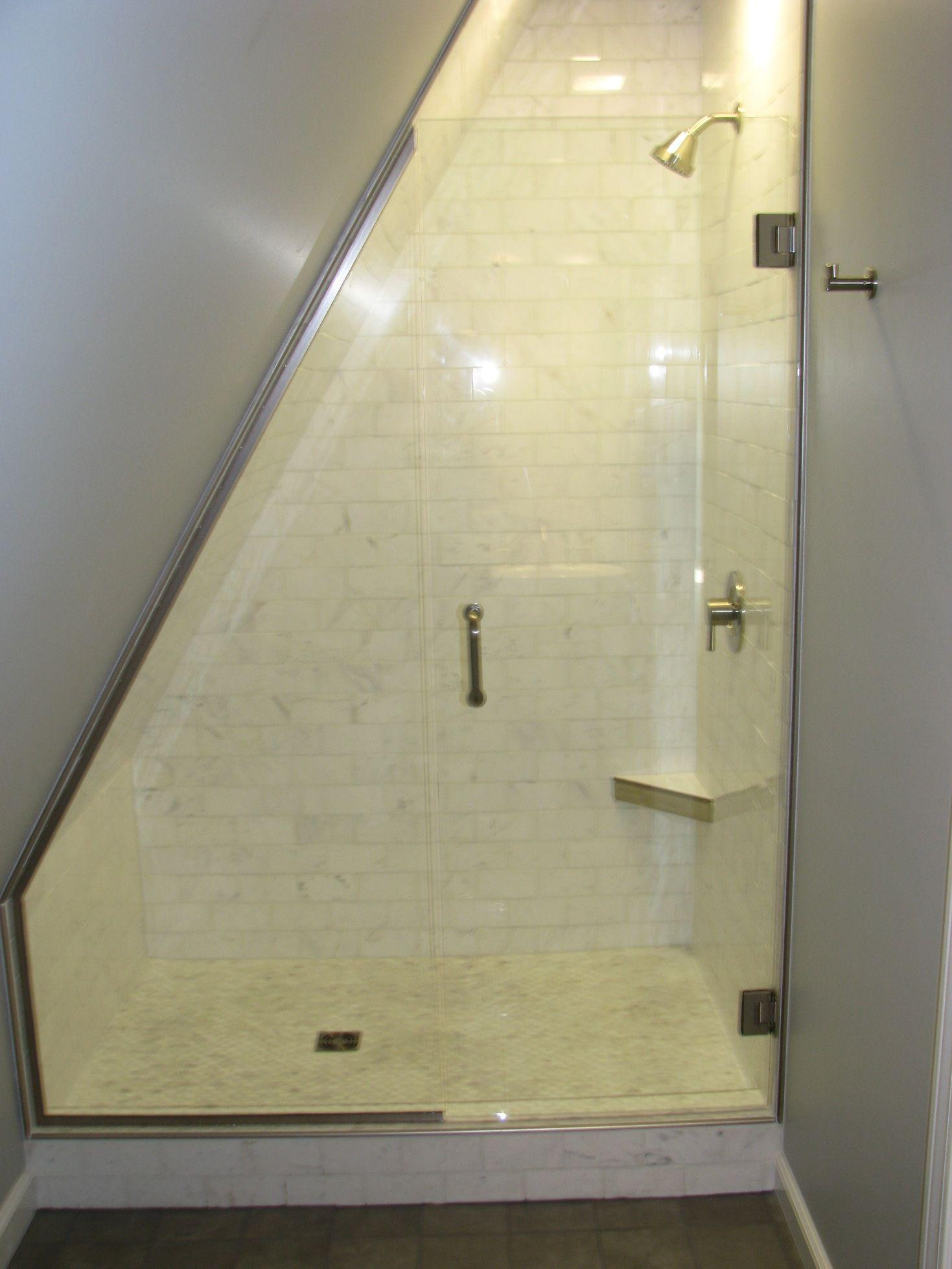 Bad im Dachboden #dusche , #badezimmer , #kleinesbad #minishower ...