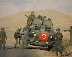 تركيا تضرب أهدافا للجيش السوري ردا على سقوط قذيفة في أراضيها