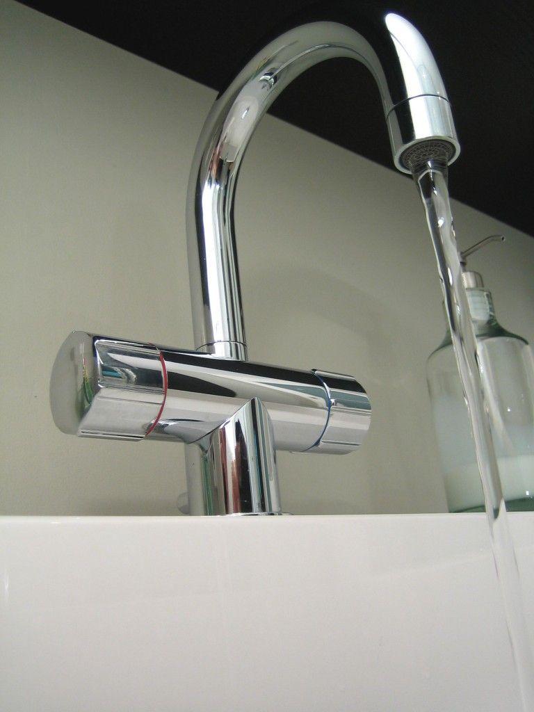Nettoyer Carrelage Salle De Bain Bicarbonate pensez-vous à entretenir régulièrement votre robinetterie