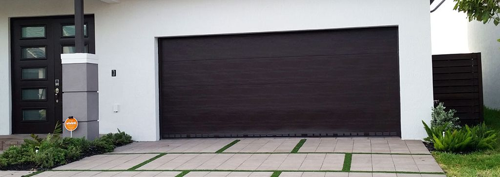 Garage Doors Miami Protection For Garage With Utmost Firmness Here S Our Strong And Durable Garage Doors Super Garage Doors Has Been Serving Miami For Many