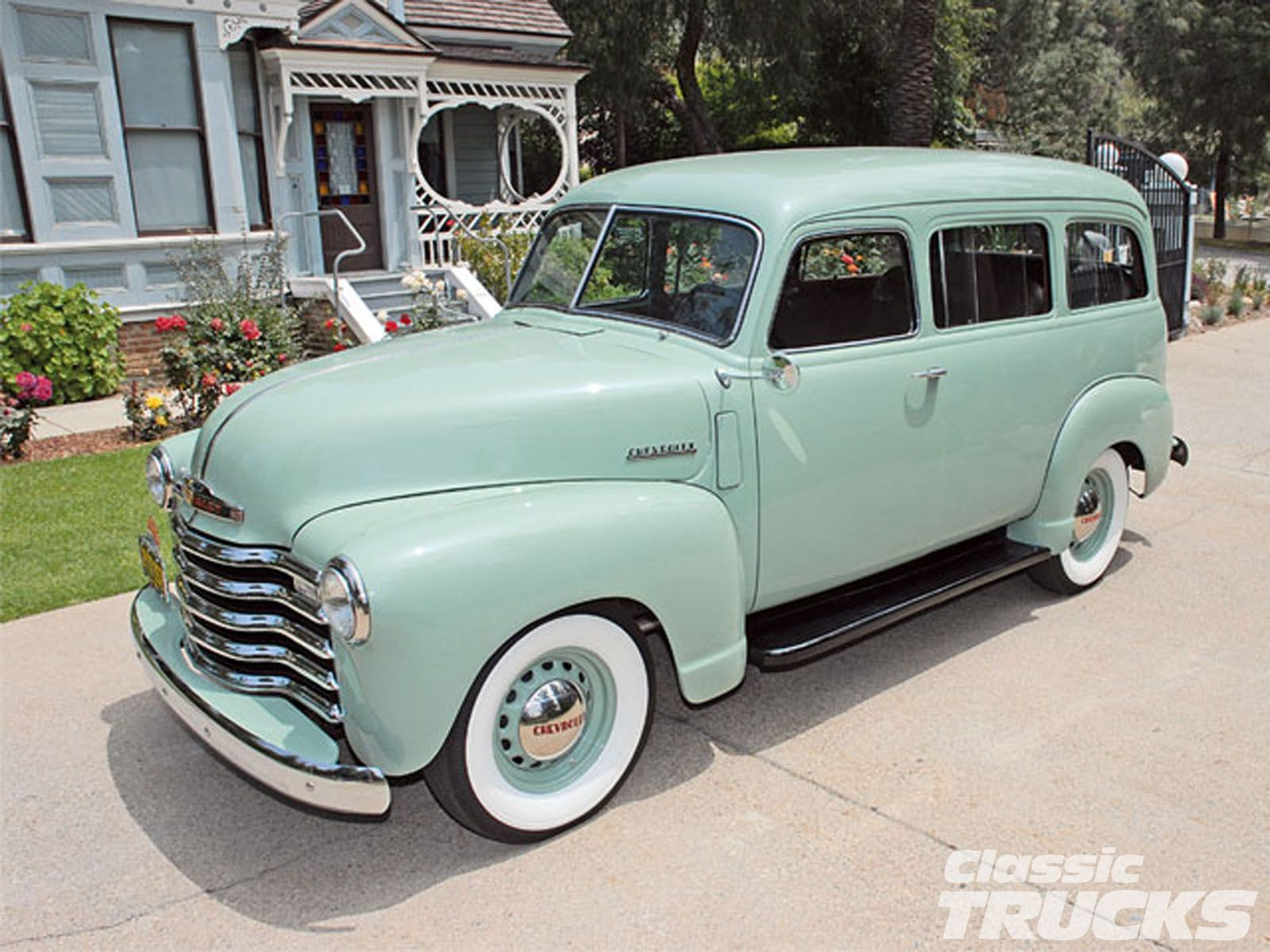 1950 suburban love the wheels  [ 1600 x 1200 Pixel ]