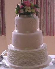 Pearl and Lace Wedding Cake