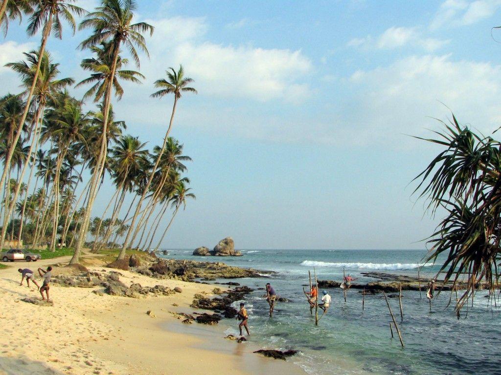 Stilts_fishermen_Sri_Lanka_01